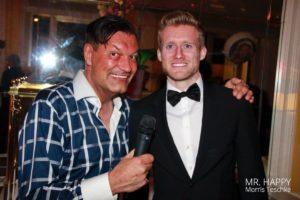 Fußball-Weltmeister André Schürrle im Discosaal von DJ Mr. Happy Morris Teschke